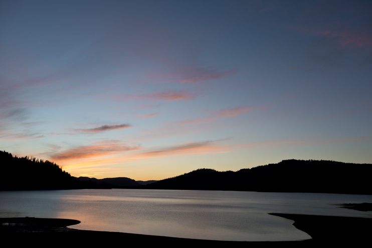 SUnset over Lost Creek Lake, OR